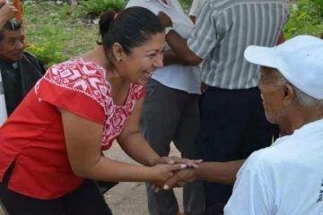 Fany Cahum levanta la mano como aspirante a la presidencia municipal de FCP