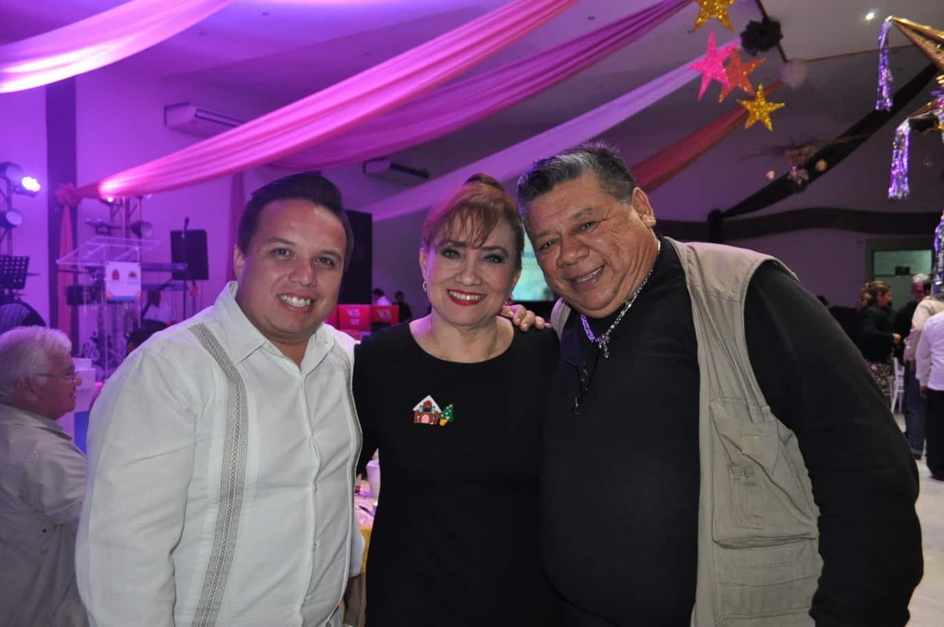 Javier Vite, Martha Silva y Ricardo Rosado.