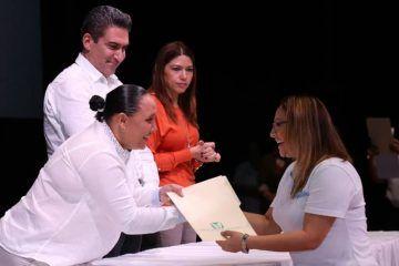 Cumple Cristina Torres a servidores públicos; más de 2 mil 600 son afiliados al IMSS