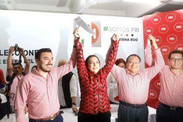 Registra Cora Amalia solicitud de precandidatura para la Diputación Federal del D-02