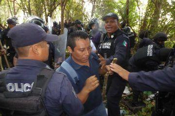 """Desalojan a invasores de """"El Trébol""""; hay 15 detenidos"""