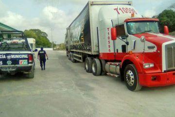 Encapuchados roban trailer con 50 toneladas de minsa