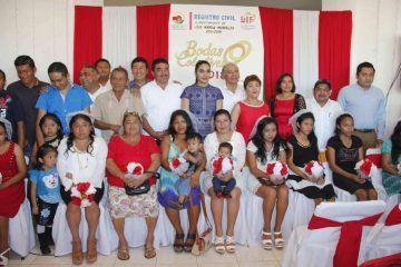 Con Bodas Colectivas, 11 parejas formalizan su unión en el municipio de JMM