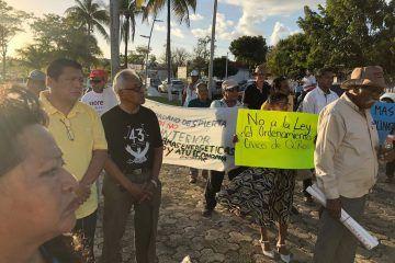 'Morenos' marchan en Chetumal contra gasolinazos y Ley de Seguridad Interior