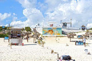 Vacacionistas seguros. Playas públicas de Cancún vigiladas por salvavidas