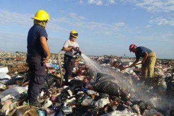 Incendio en el basurero de Chetumal sigue bajo vigilancia de las autoridades
