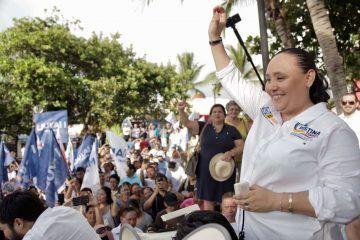 Recibe Cristina Torres apoyo masivo por buenos resultados en Playa del Carmen