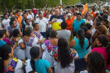 José Esquivel, continúa llevando su oferta política a las poblaciones mayas