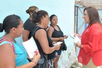 Colonos de Chetumal exponen a Cora Amalia necesidades y deficiencias que padecen