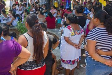 Denunciarán a candidatos que usen a gente maya