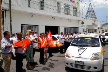Dan banderazo de arranque a flotilla de 'Taxi Naranja' del SUCHAA