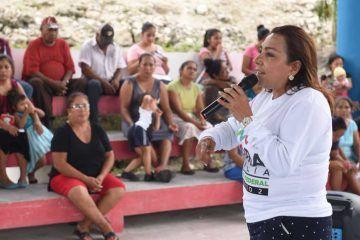 Mantiene Cora Amalia campaña de diálogo directo con los ciudadanos de comunidades