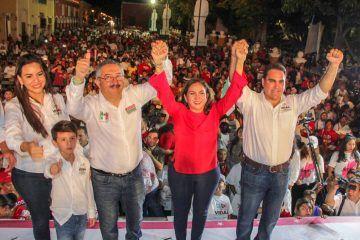 Con multitudinario evento, cierra campaña Leonel Escalante