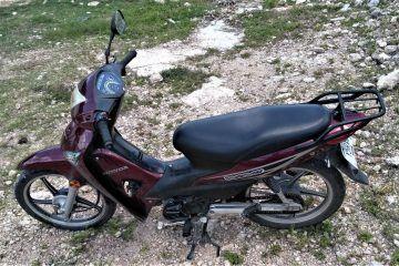 Frustran robo de motocicleta en el barrio de Sisal
