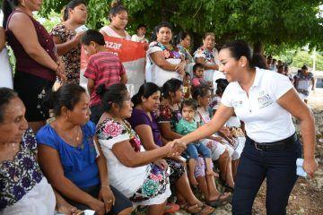 Mantiene Paoly Perera una campaña de estrecho contacto ciudadano