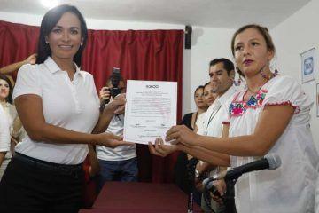 Laura Fernández, recibe Constancia de Mayoría como presidenta municipal electa de Puerto Morelos