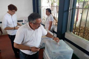 Vota el candidato a la presidencia de Valladolid, Leonel Escalante