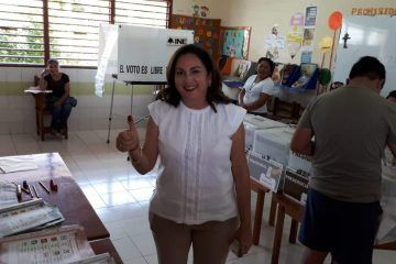 Vota Mayté Moisés, candidata a diputada por el D-XI de Yucatán