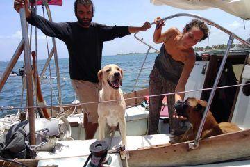 Marina rescata a dos personas extranjeras en inmediaciones de Mahahual