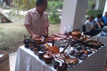 Artesanos de la zona sur piden promoción y espacios para vender sus productos