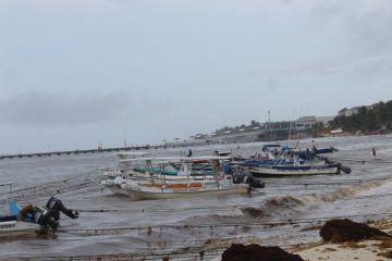 Sufren turisteros de Playa del Carmen por mal tiempo