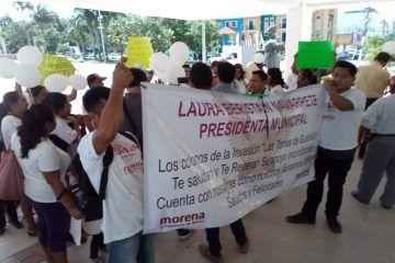 """Denuncian invasores de """"Las Torres"""" a quien fuera su lideresa"""