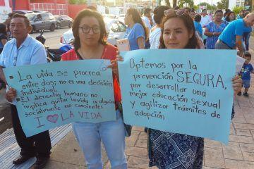 Marchan en Chetumal a favor de la vida