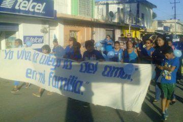 Marcha pacífica, desaprueban la imposición de los diputados federales, el aborto
