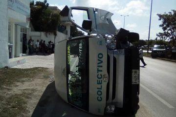 Fuerte choque frente a Centro Maya deja tres heridos