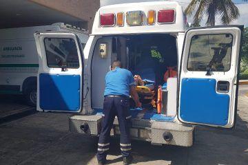 Incendio de embarcación deja dos heridos