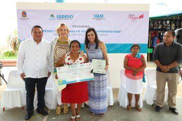 Mujeres de Kantunilkín reciben 137 créditos a la palabra