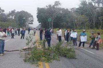 Tras acuerdo se normaliza la circulación de la carretera Chetumal-Escárcega