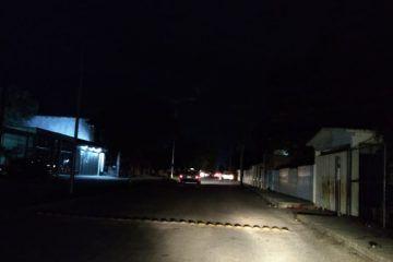 Calles de Felipe Carrillo Puerto en penumbras