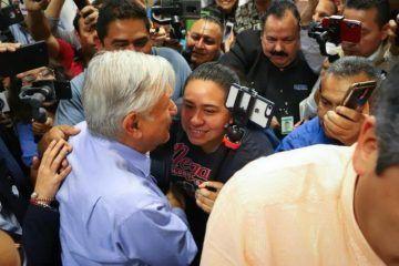 «No a las entrevistas banqueteras»: respondió AMLO ante la prensa