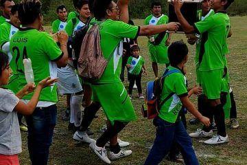 Futbolista muere tras enfrentamiento con vándalos, estaba celebrando con compañeros el campeonato obtenido horas antes