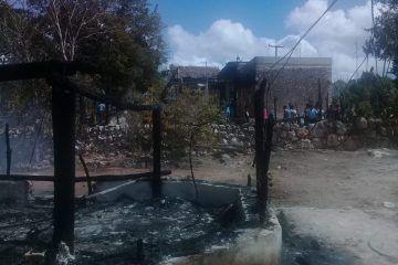 Incendio causa pérdidas a dos familias de Sacalaca