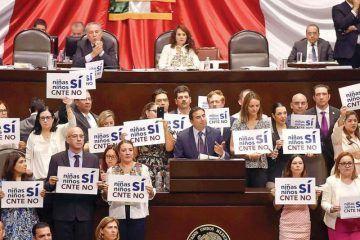 Diputados dan manga ancha a CNTE; aprueban la nueva reforma educativa