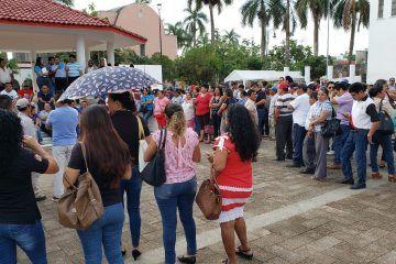 Trabajadores del municipio realizaron una manifestación pacífica