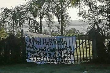 Colocan manta con amenaza de muerte a Juan Manuel Herrera en Bacalar